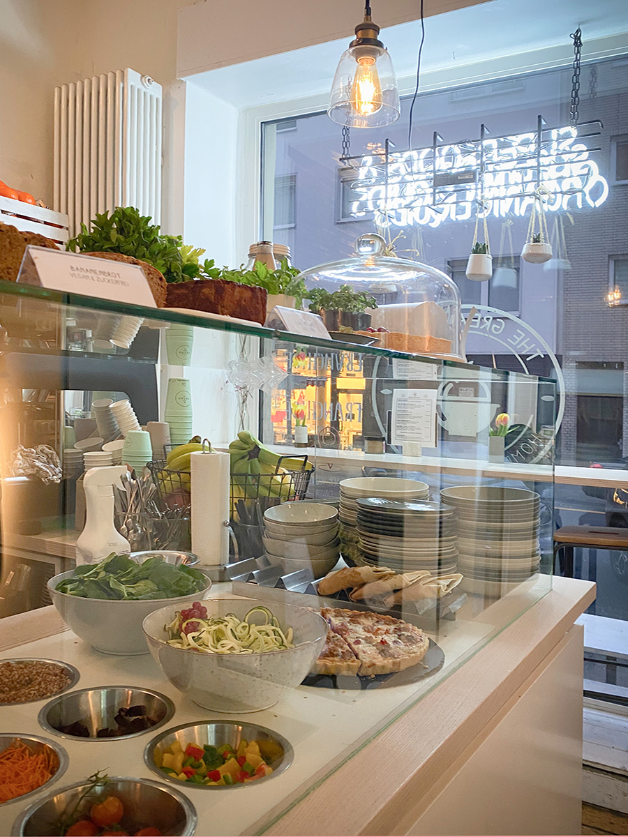 Koeln_Clean_Eating_Great_Berry_healthy_Spot_Cafe_Restaurant_Sandra_Ludes_04