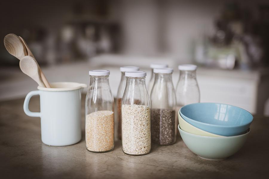 Sandra_Ludes_Muesli_Flaschen-Nüsse-Samen-Kerne-Aufbewahren-Gesunder-Alltag