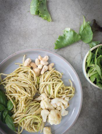 Zucchini Nudeln - Pasta - Spaghetti - Schnelles Familienrezept in der Corona Zeit