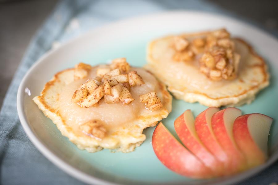 Gesunder und proteinreicher Apfel Puffer - Kinderrezepte - Familienküche, zuckerfrei, glutenfrei - Sandra Ludes